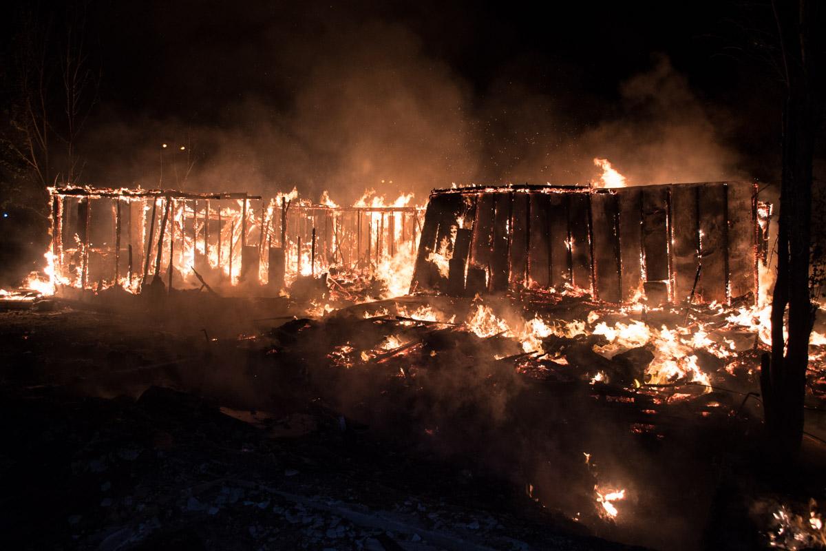 Это здание уже горело ранее, около месяца назад