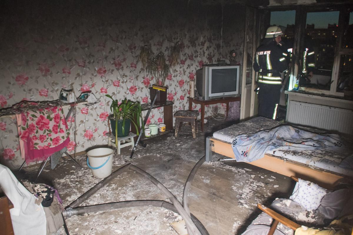 Площадь пожара составила около 10 квадратных метров