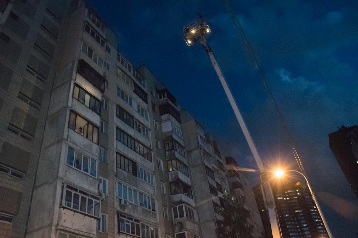 Предварительно пожар начался на балконе