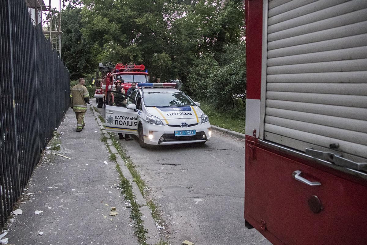 На месте дежурила патрульная полиция и выезжали расчеты ГСЧС
