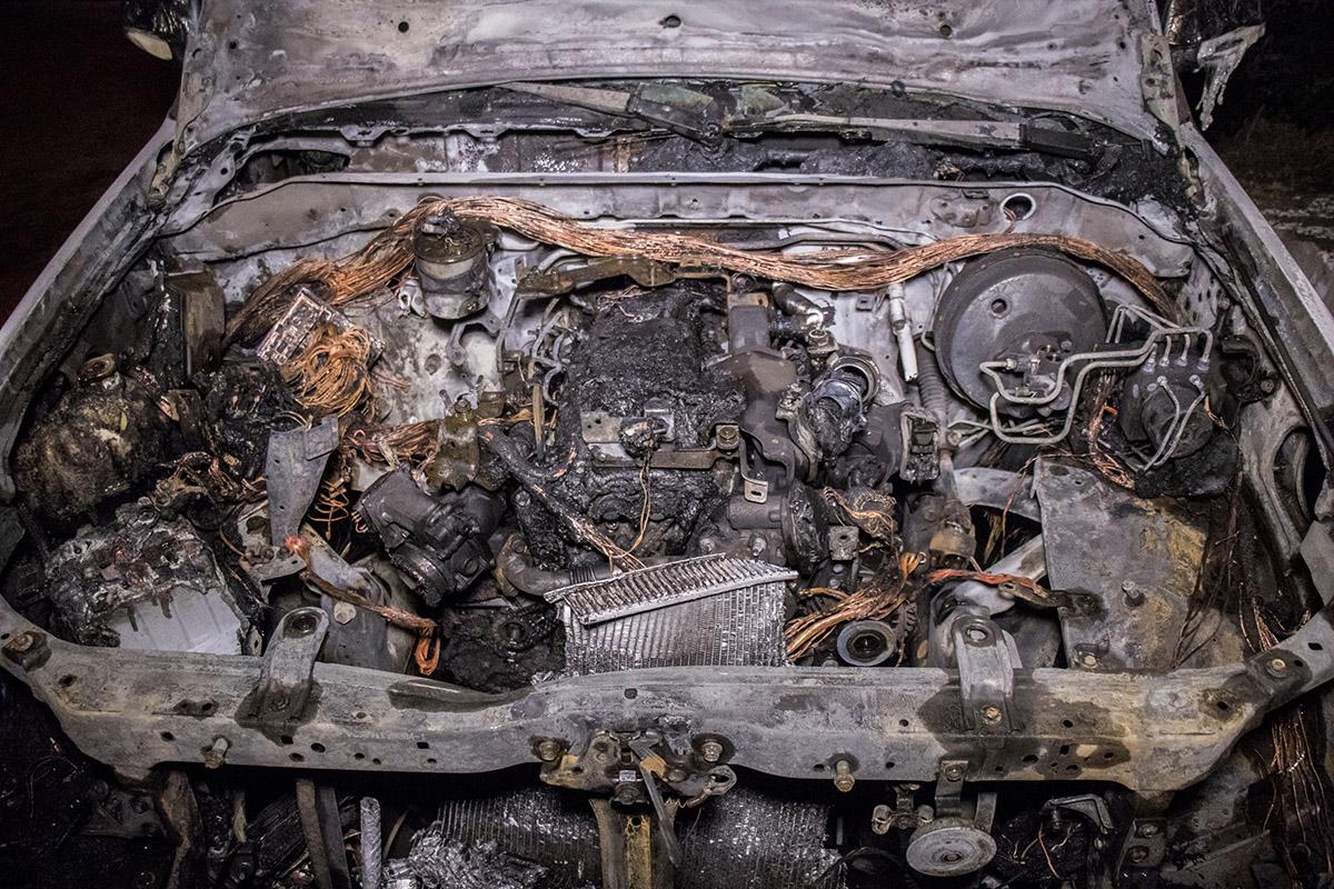 Выгорел весь перед автомобиля