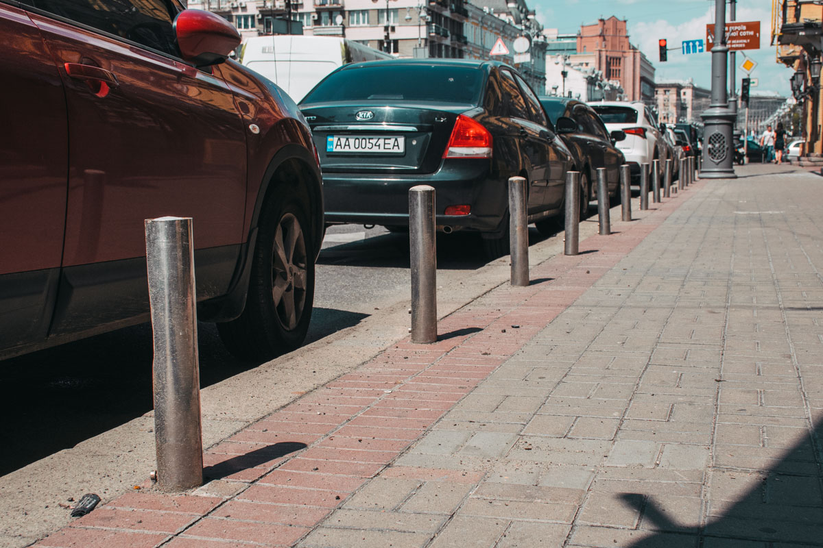 Автомобилисты! Не паркуйтесь на тротуарах!