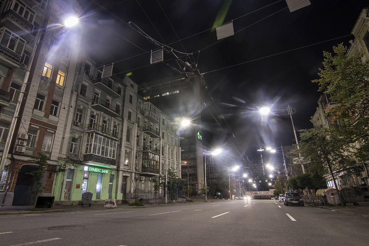 Ночью центр Киева пуст и одинок