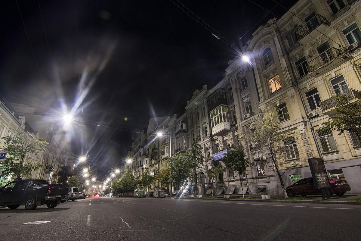 Среди разнообразия архитектурных форм на этой улице можно почувствовать себя в прошлом