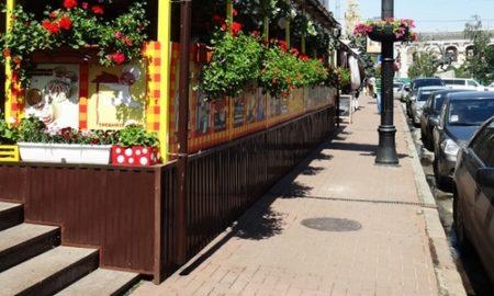 В Киеве больше половины летних площадок работают нелегально