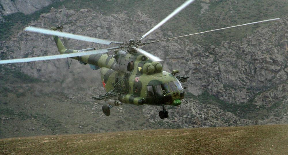 Военный вертолет упал в горах