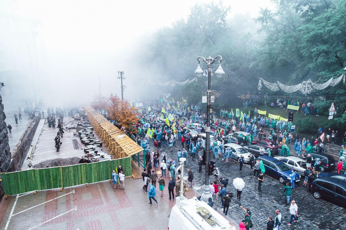 В Киеве под Верховной Радой проходит акция владельцев авто на еврономерах