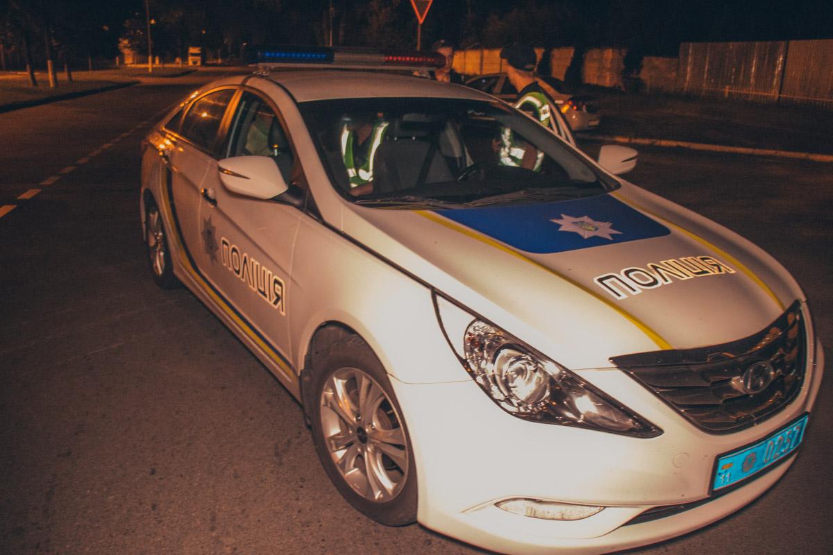 На месте работали сотрудники патрульной полиции, медики и следственно-оперативная группа