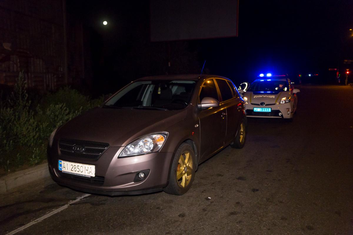 На перекрестке Большой кольцевой дороги и Минского проспекта полицейские остановили автомобильKIA Ceed