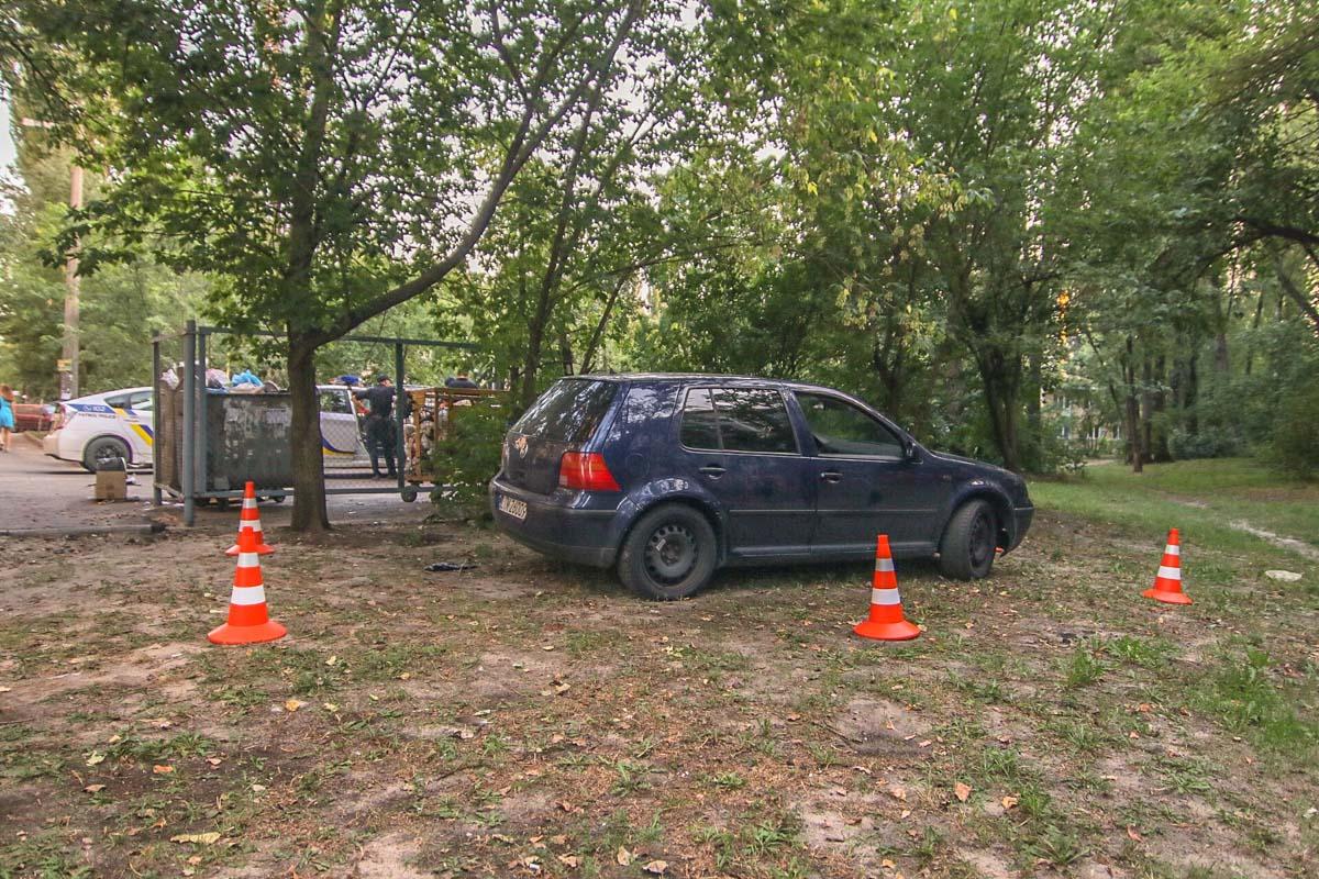 "В Киеве на ""евробляхе"" Golf синего цвета похитили человека, полиция объявила план перехват"