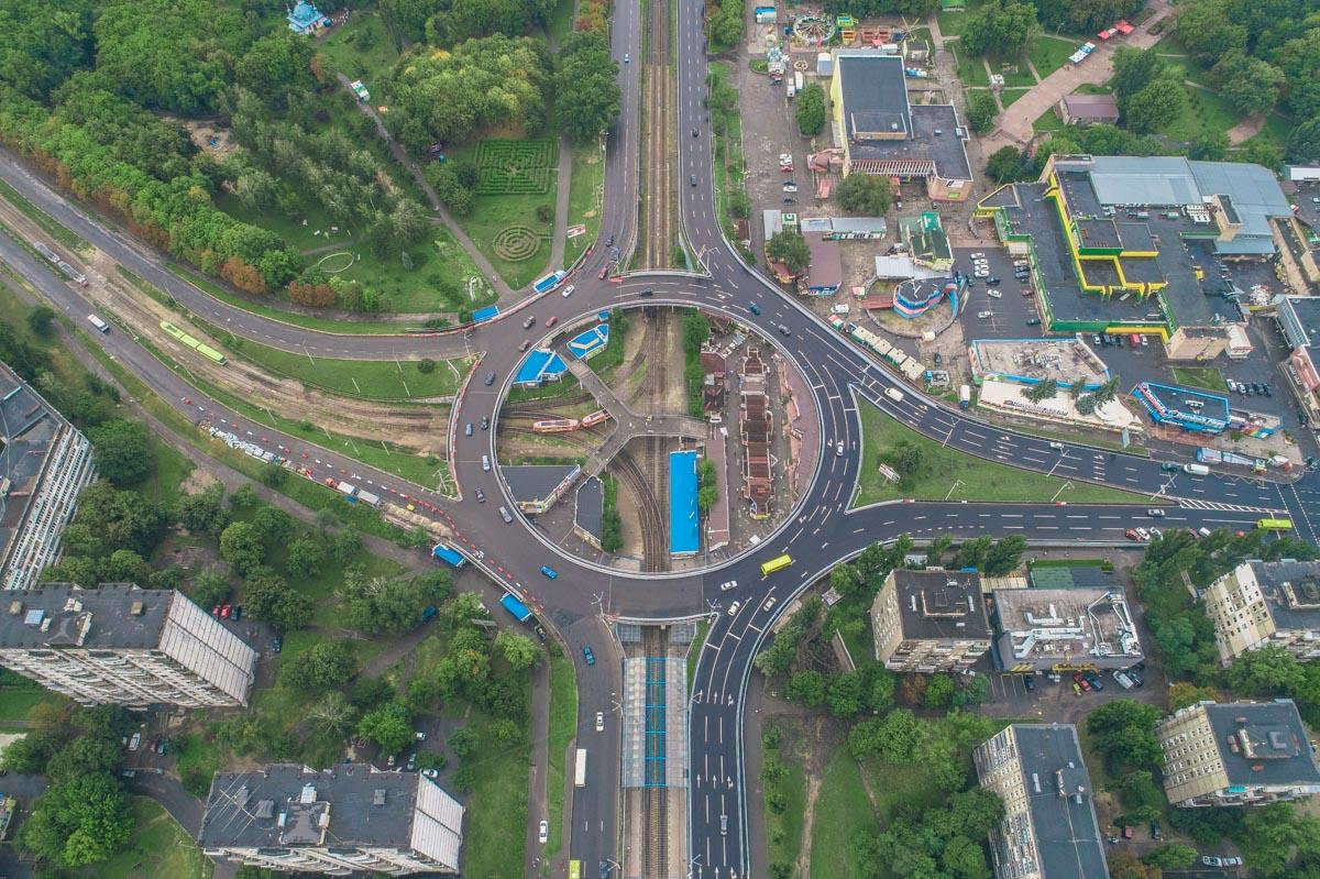 Там планируют отремонтировать пешеходные подходы и остановки общественного транспорта