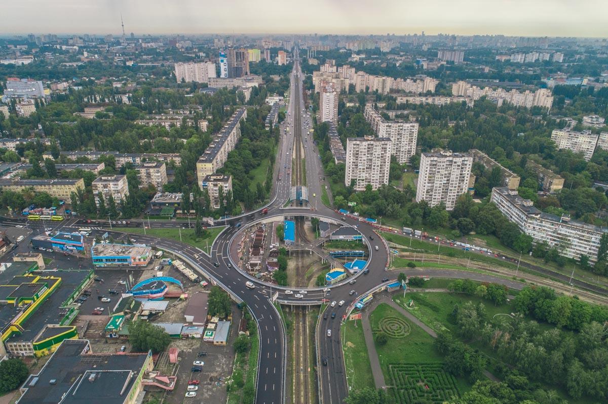 Также ремонт улучшит качество покрытия проезжей дороги и инфраструктуры в целом