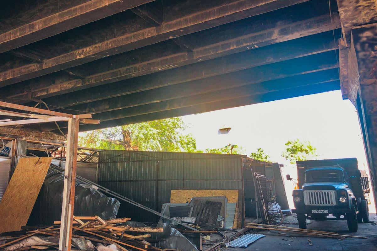 Демонтаж связан с ремонтом Шулявского моста