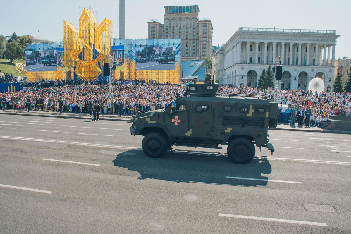 А вот и бронеавтомобили украинской армии