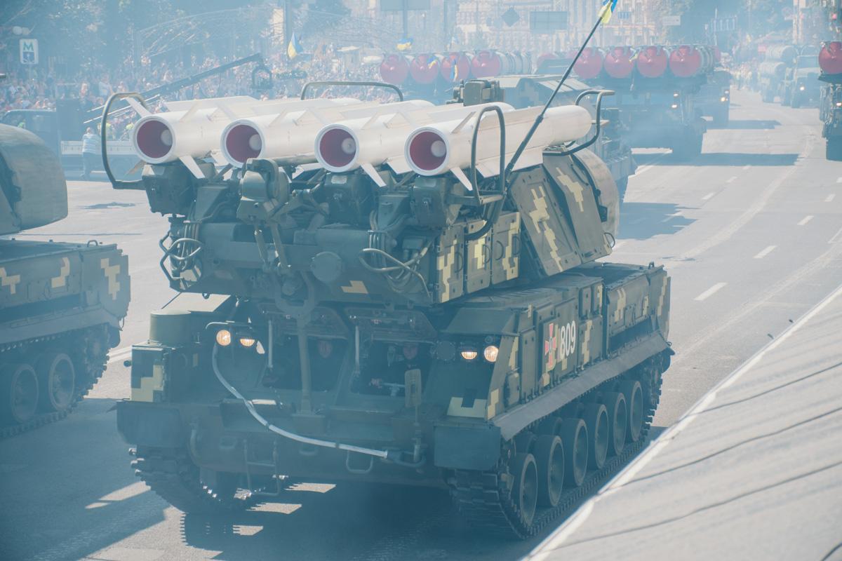 Такие вот ракетные комплексы проезжали по Крещатику на День независимости