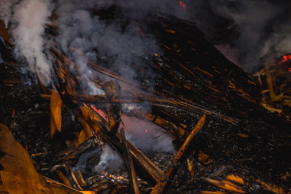 Более шести часов пожарные ликвидировали возгорание