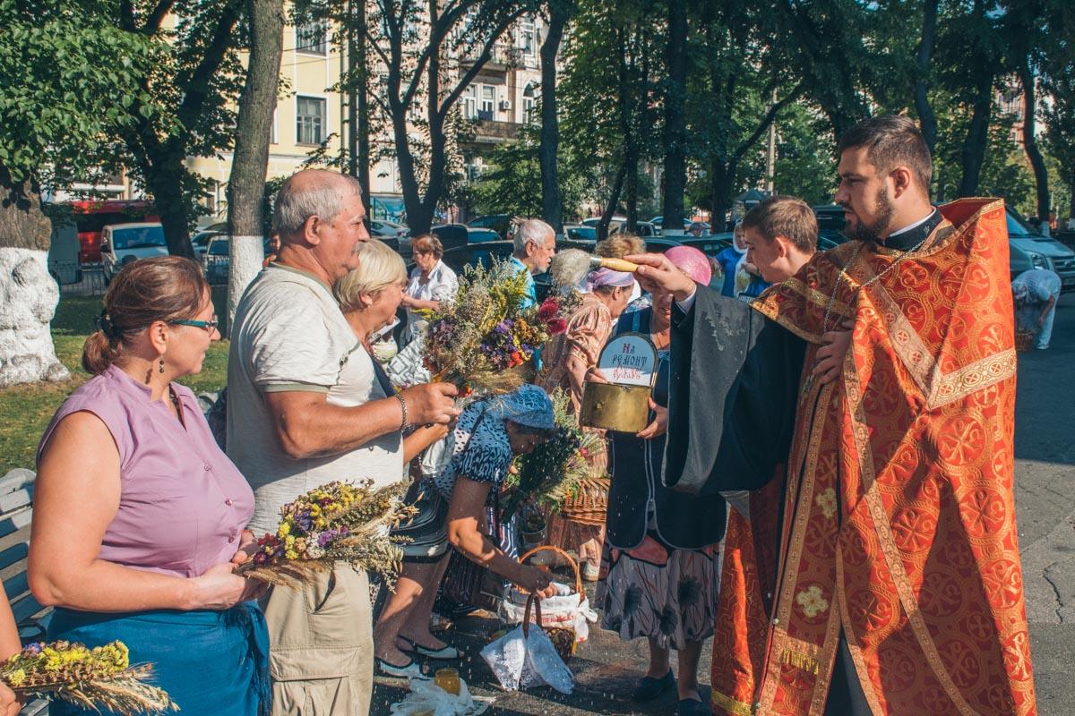Прихожане Владимирского собора