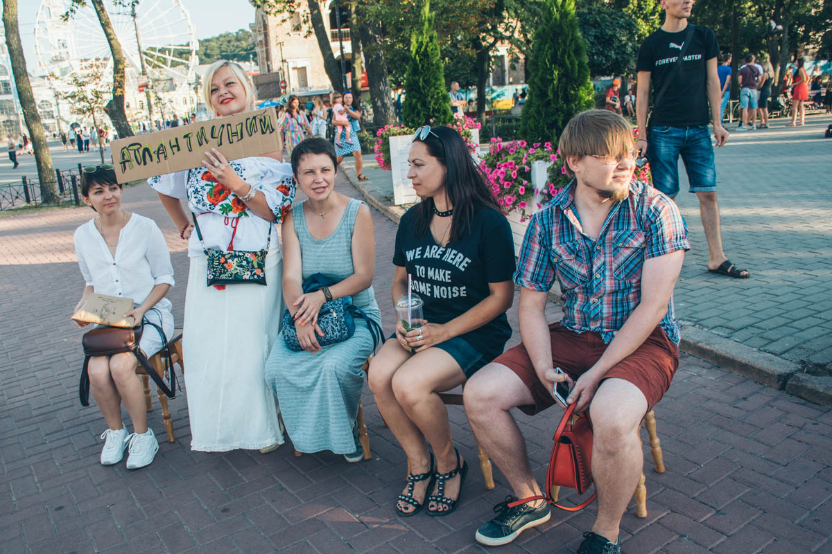 Гости ивента рассказали, что пришли сюда в поддержку идеи Леонида