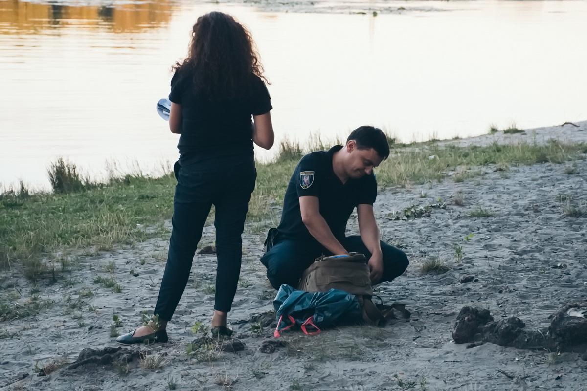 Тело водолазы доставили к берегу и передали сотрудникам правоохранительных органов, которые будут устанавливать обстоятельства случившегося
