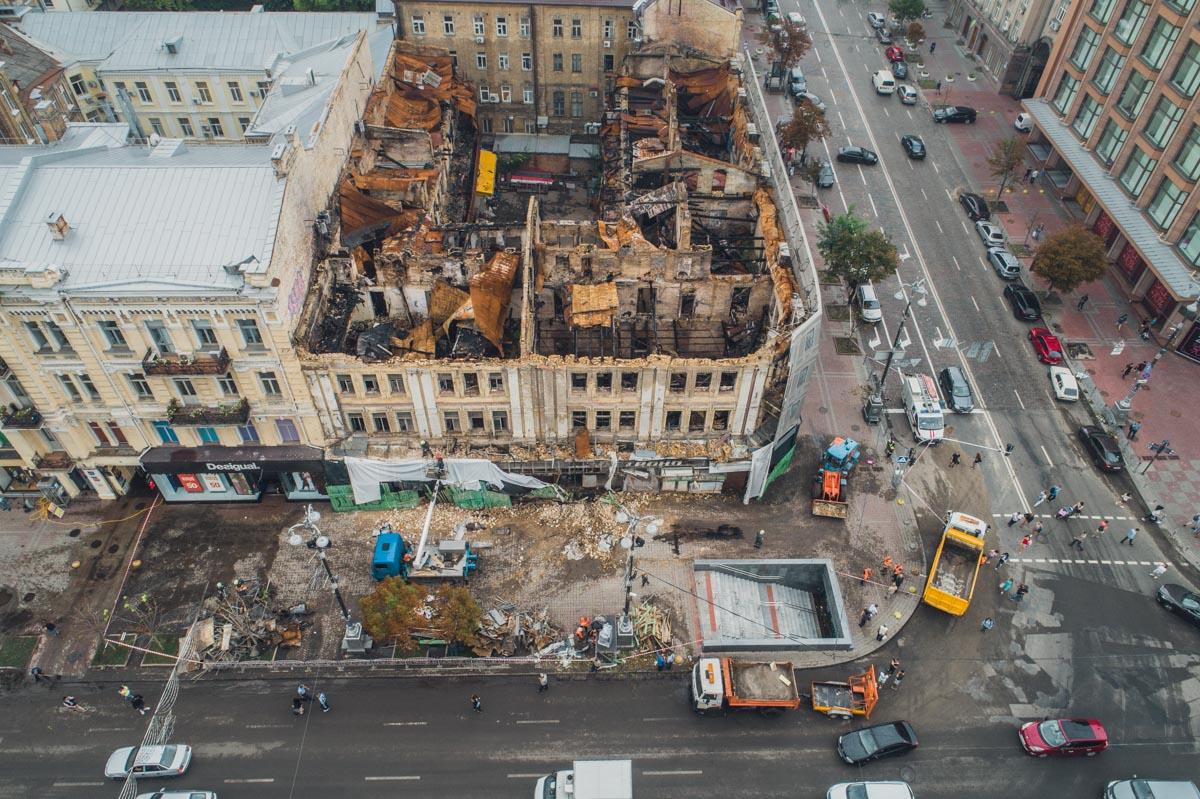 В ночь на 16 августа в центре Киева стихия разрушила заброшенный дом