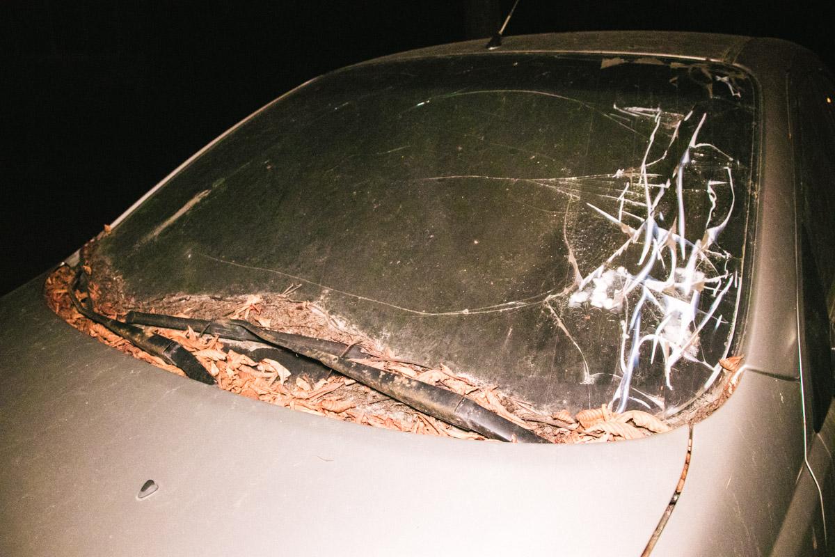 Chevrolet Aveo с разбитым лобовым стеклом