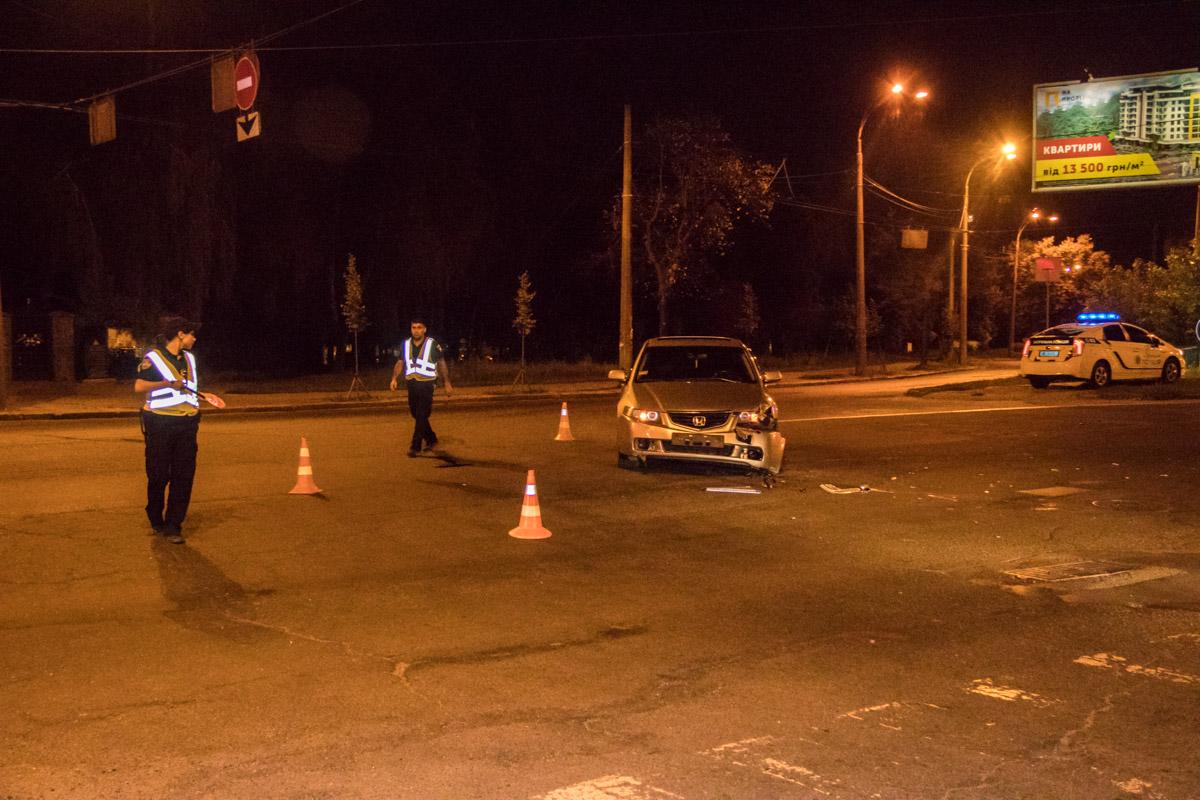 На улице Стеценко Honda Aссord сбила мотоциклиста