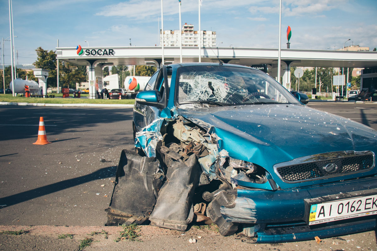 В результате аварии пострадала пассажирка Lanos