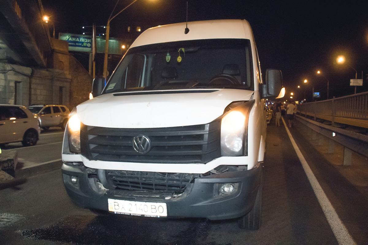 Volkswagen Crafter догнал Toyota Prado
