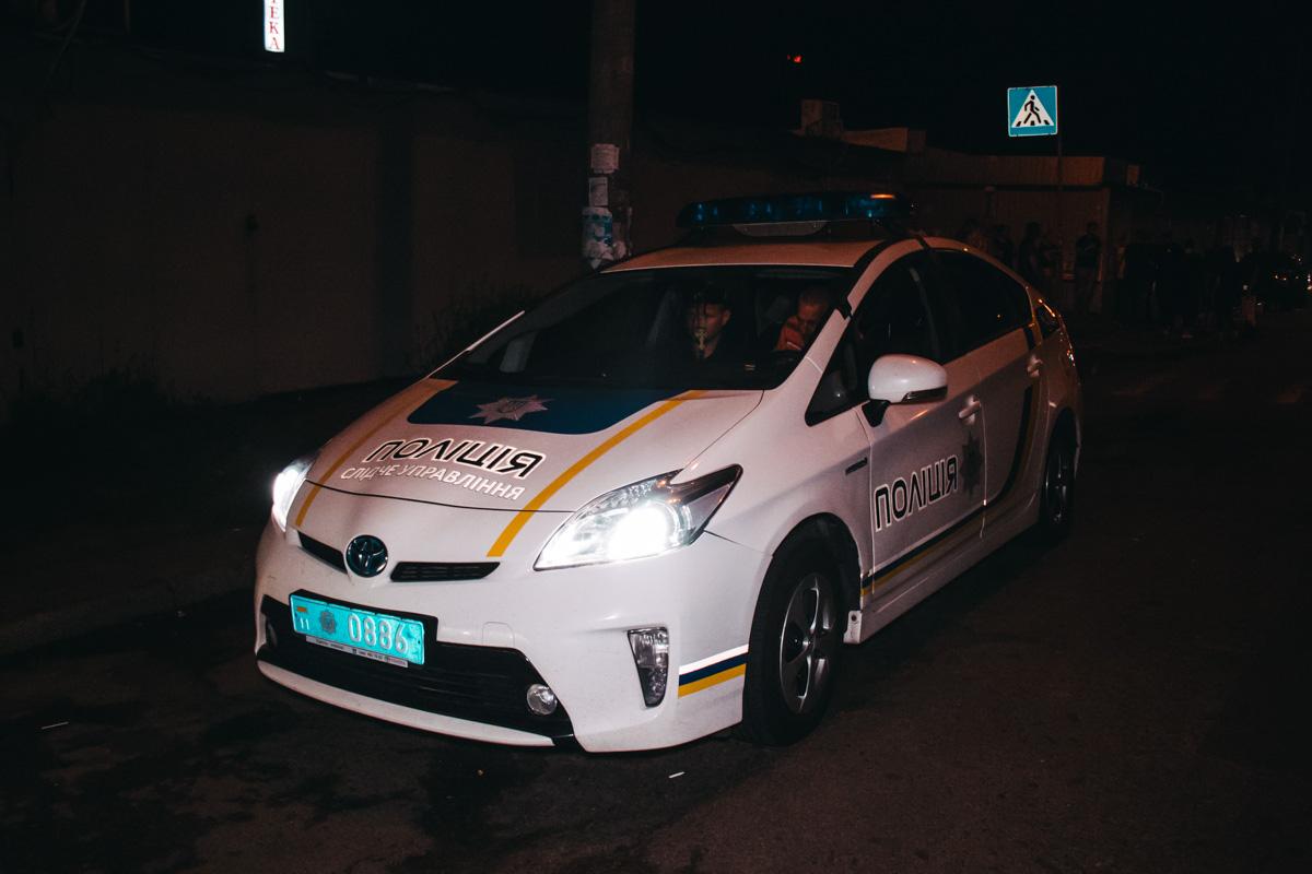У нескольких кавказцев произошел конфликт с мужчиной, который шел посмотреть на аварию