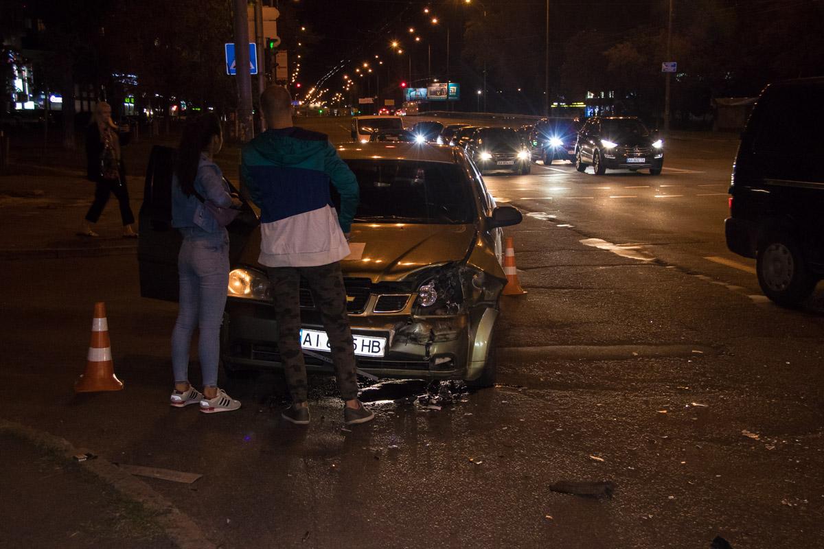 Водитель Chevrolet уверяет, что двигался на желтый свет светофора
