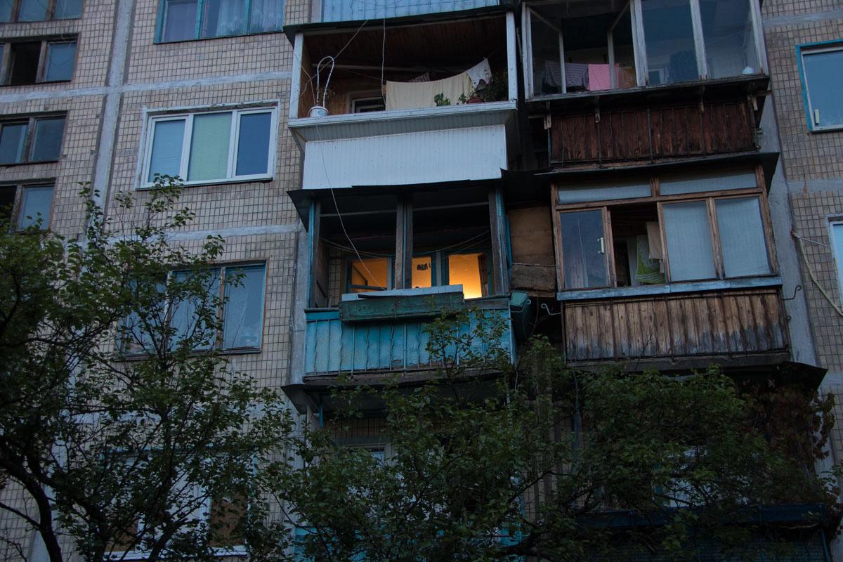 Он находился в квартире на третьем этаже 5-этажного дома