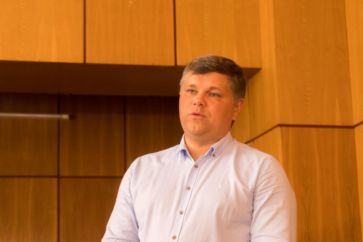Сергей Фейло - представитель компании, предоставившей оборудование, рассказал, что технику практически невозможно сломать