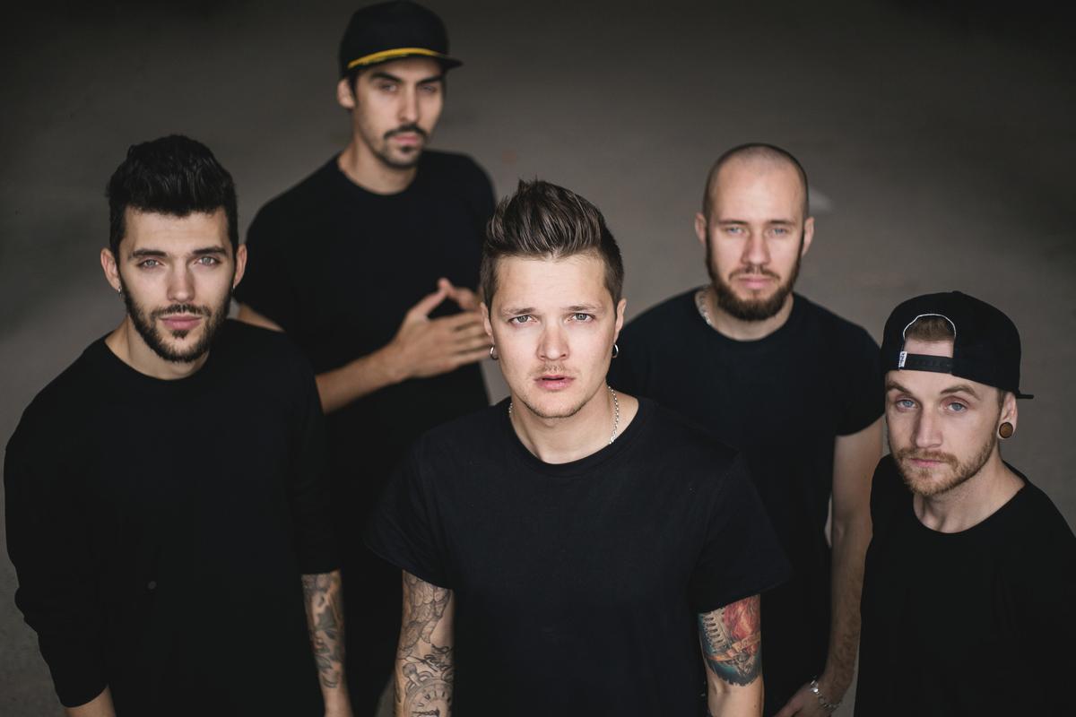 В 2017 группа победила в Национальном отборе песенного конкурса «Евровидение».