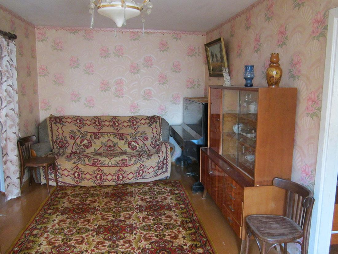 Самая дешевая квартира в месяц стоит 7 900 гривен, однако она потрепанна годами, а мебель со времен СССР