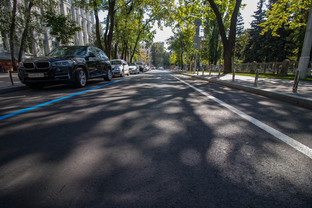 Для удобства пешеходов и пассажиров на улице оборудовали все по европейским стандартам