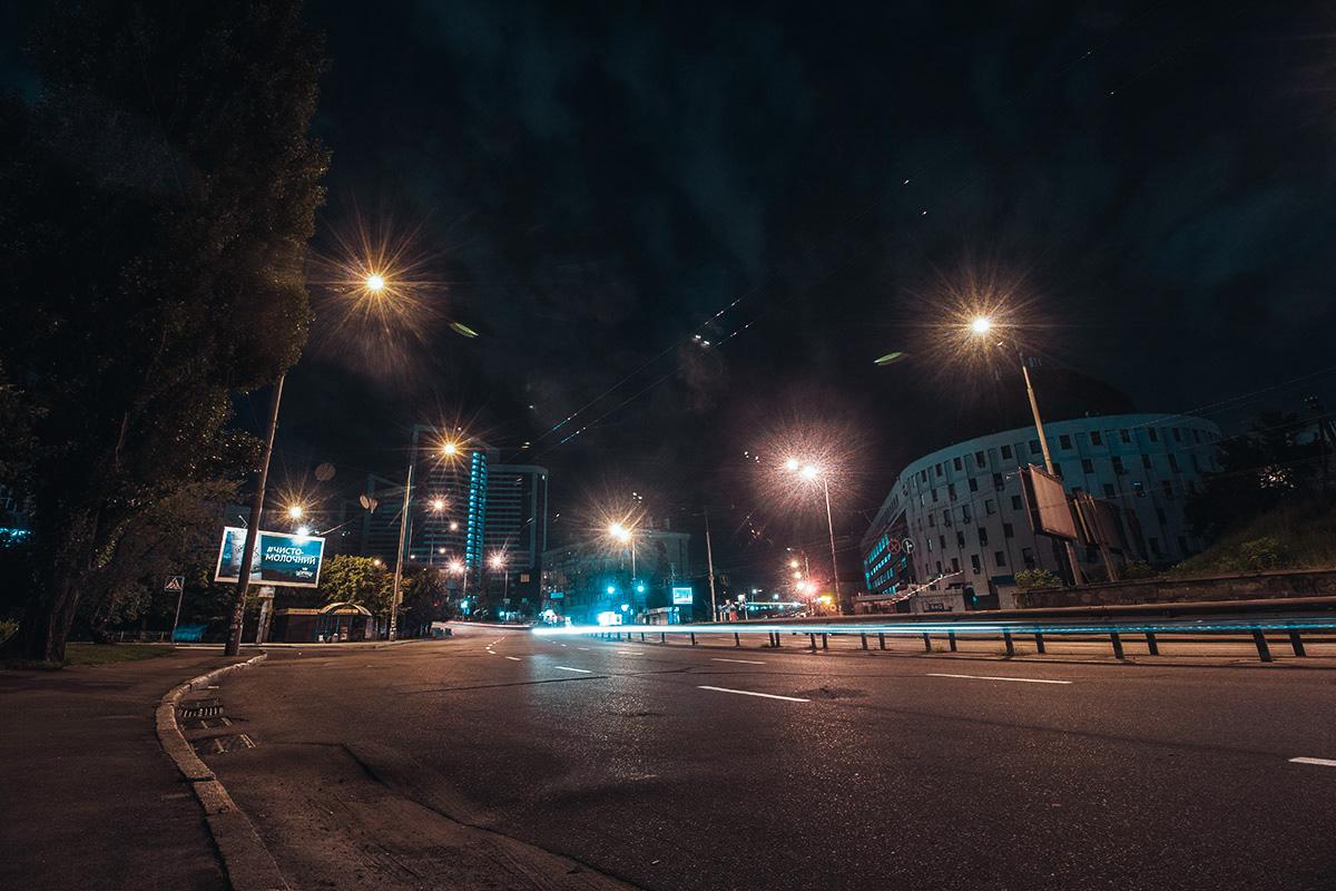 В столице редко видны звезды