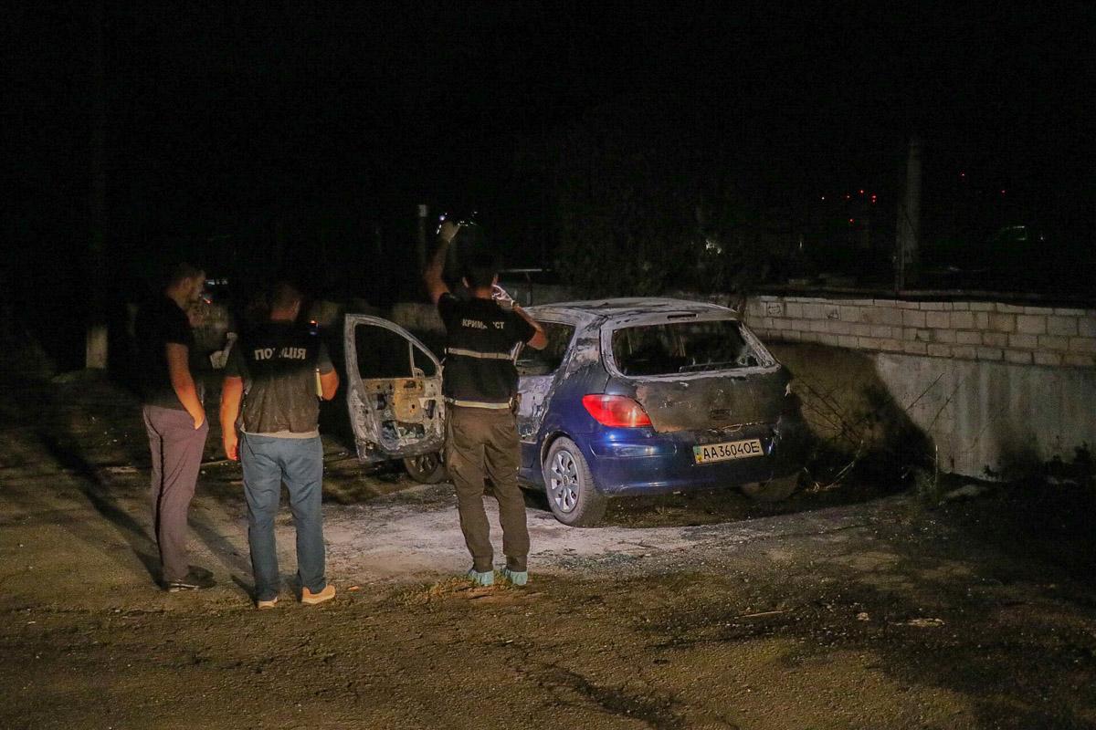 В Киеве нашли машину преступников, которые ограбили ювелирный магазин на Нивках и убили охранника