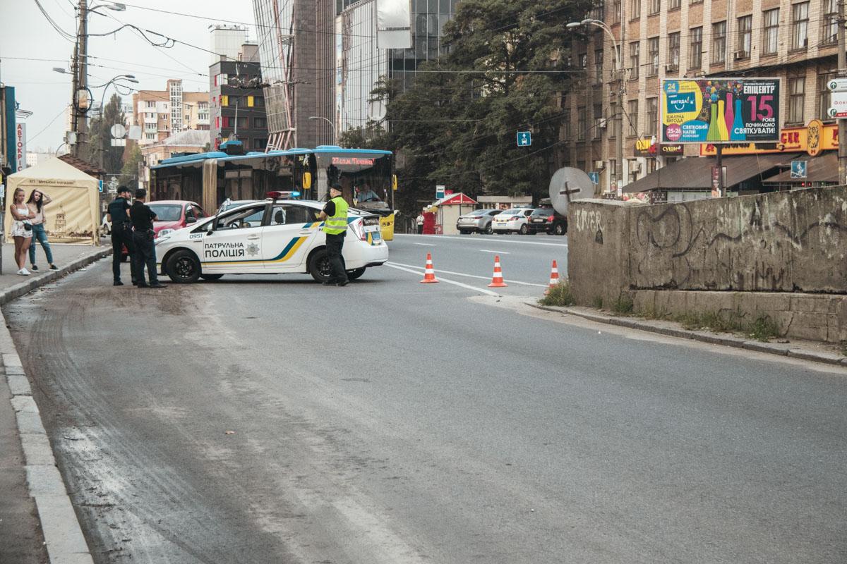 В Киеве таки закрыли на ремонт Шулявский мост