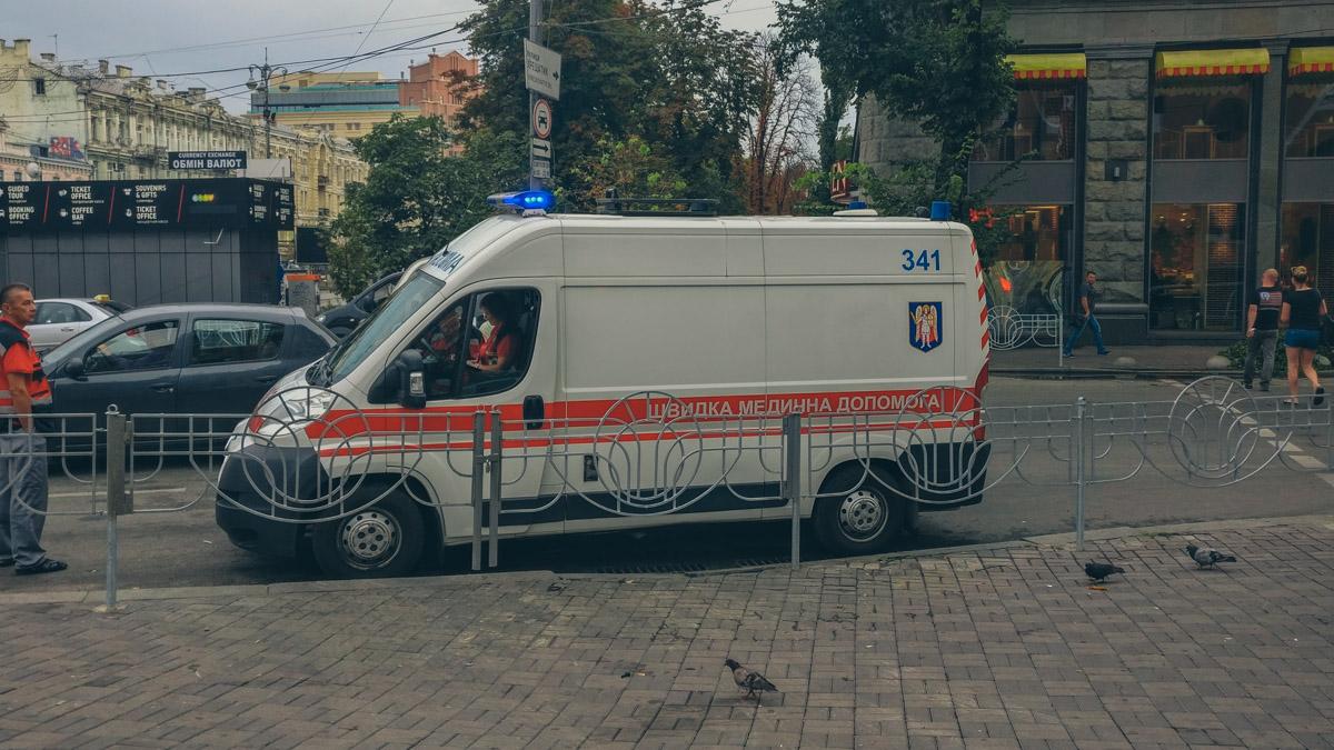 В четверг, 16 августа, на Бессарабской площади возле супермаркета Billa умер мужчина
