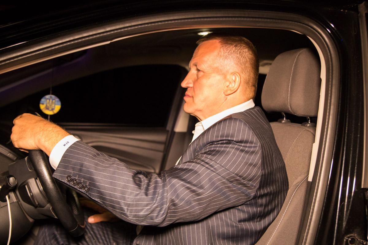 За рулем находился бывший посол Украины в США Александр Моцик