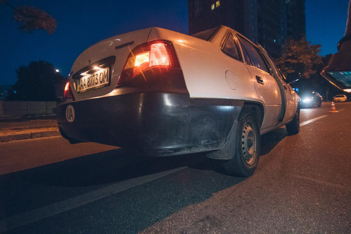 Водитель заметил пешехода и резко нажал на тормоз, но столкновения избежать не удалось