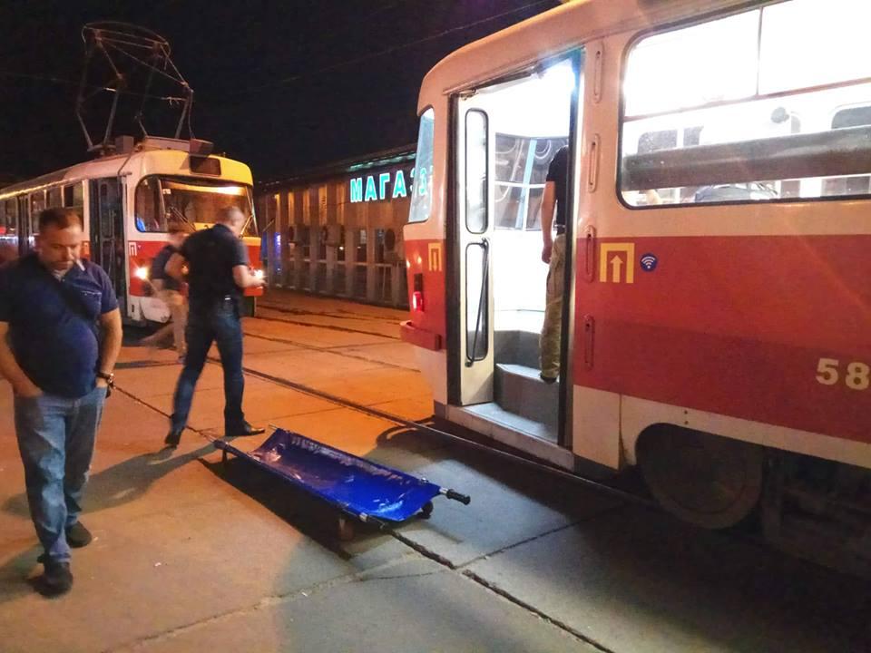 "Движение трамваев в сторону метро ""Лукьяновка"" было остановлено почти на 2 часа"