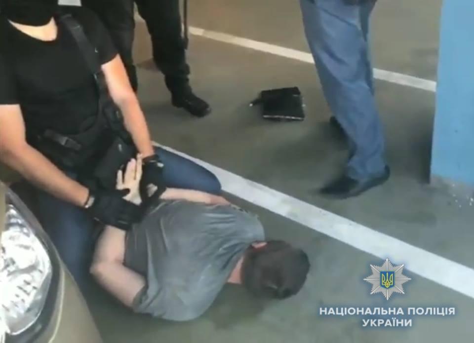 В Киеве задержали мужчину, который продавал девушек турецким сутенерам