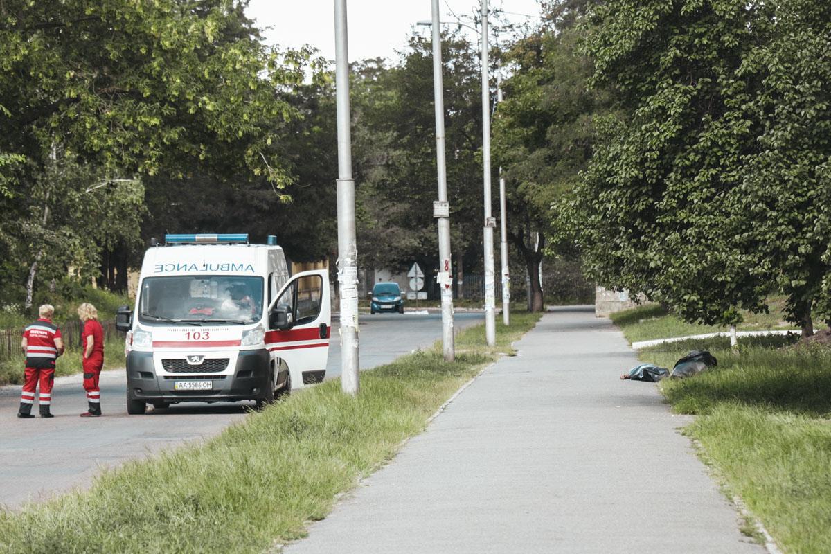В Киеве прямо на улице скончался пожилой мужчина