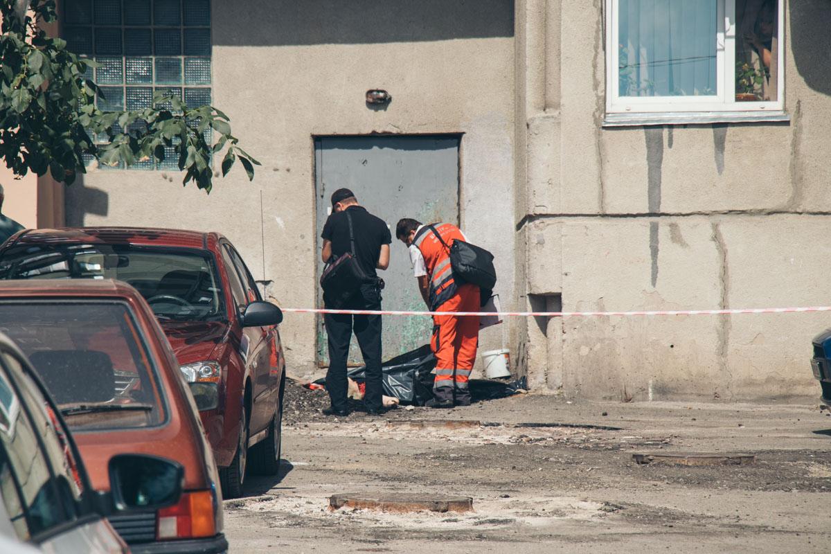 Криминалисты устанавливают детали происшествия