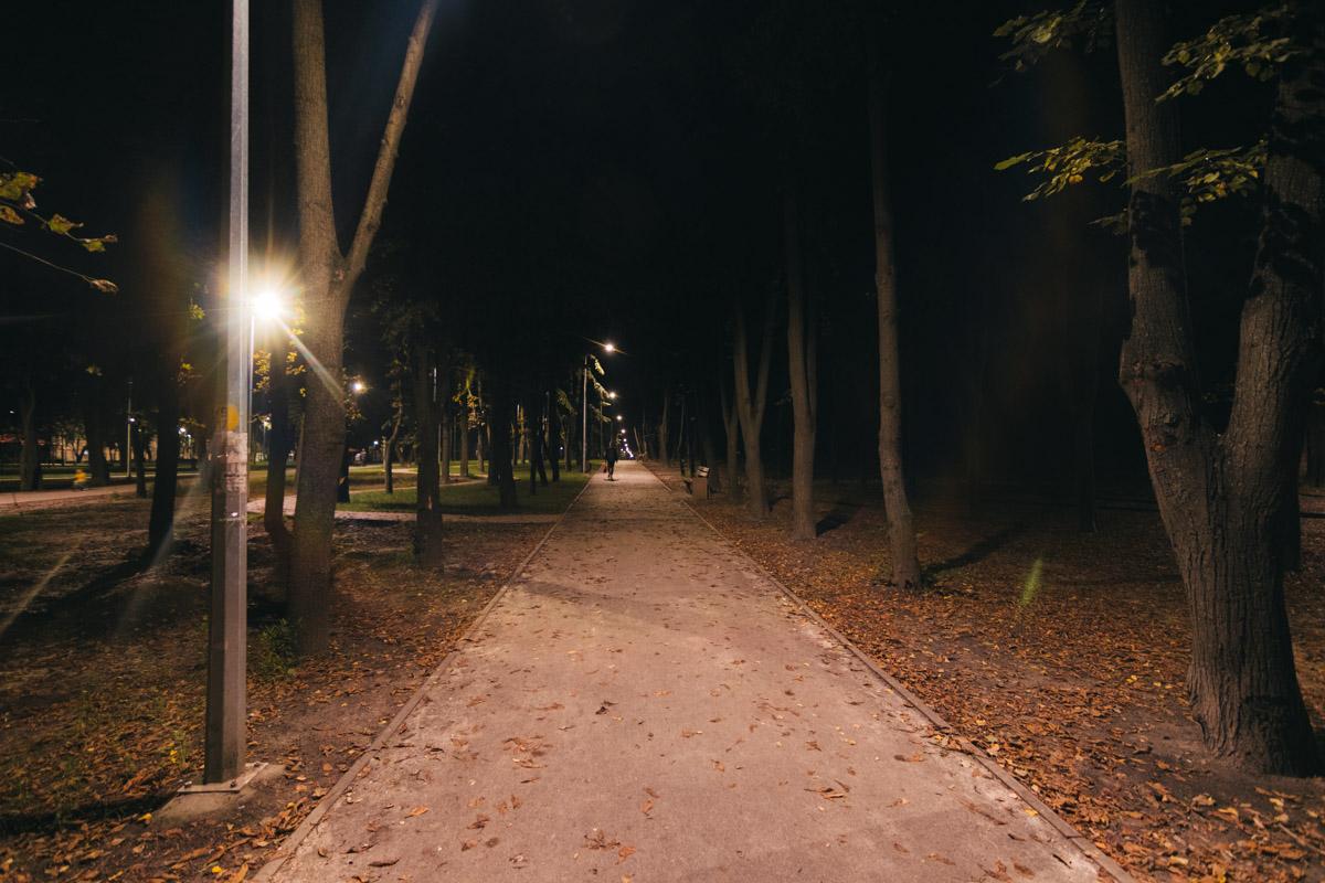 """Так выглядит """"Сырецкий Яр"""" в ночное время суток"""