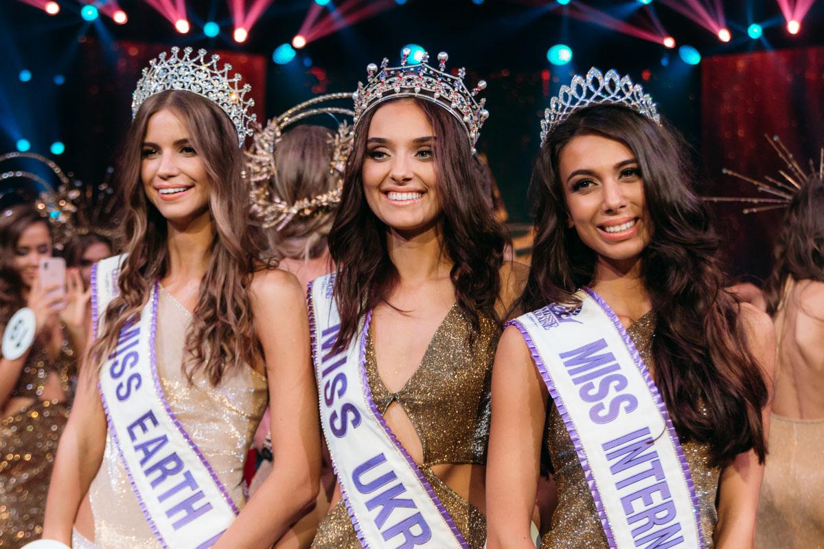 Трио красавиц, которые представят Украину на конкурсах: Анастасия Кривохижая, Вероника Дидусенко и Богдана Тарасик