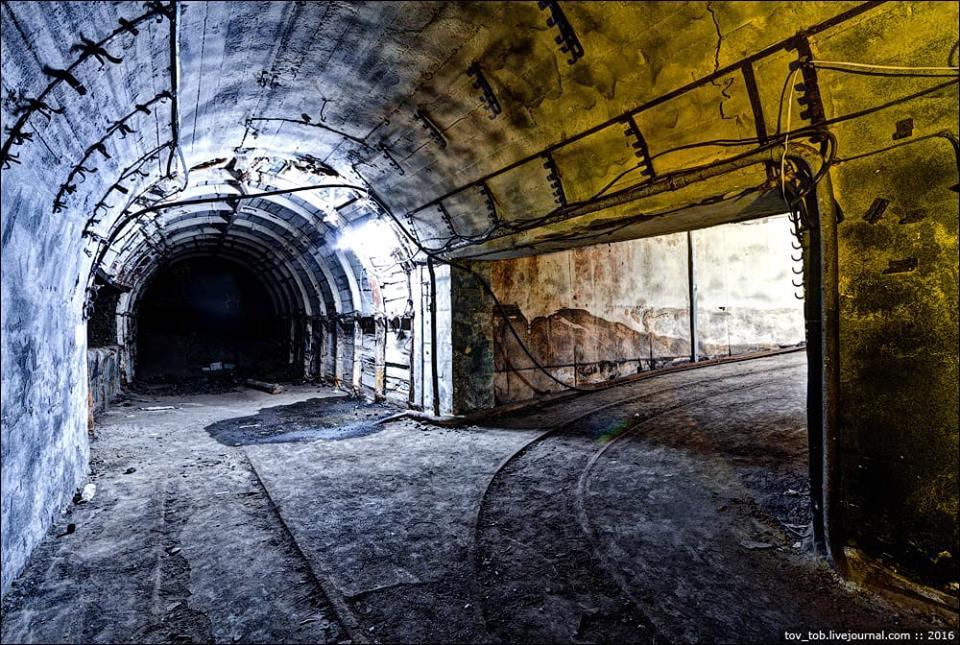 Тапольский полез в шахту, чтобы провести праздник драмнбейса