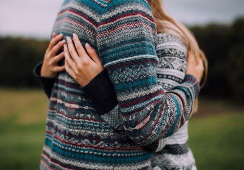 Настроение: слушать The Neighbourhood - Sweater Weather и обнимать любимых