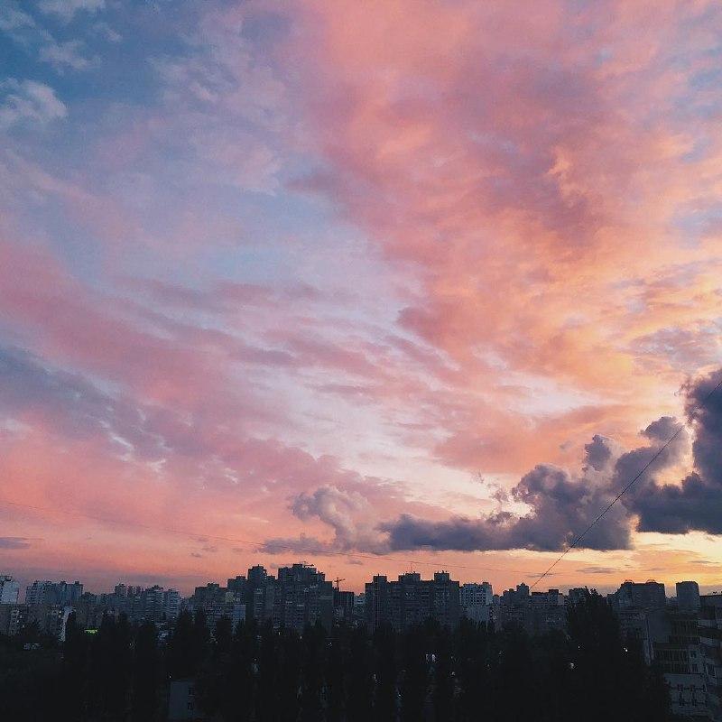 Такое небо дарит вдохновение. Фото: @lovemyshrimp